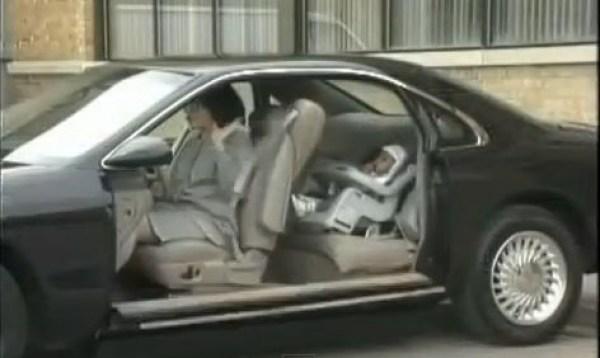 Görünmez Kapılı Otomobil