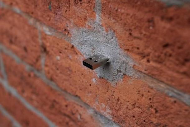 Duvardaki USB'ler Ne İşe Yarıyor Acaba?