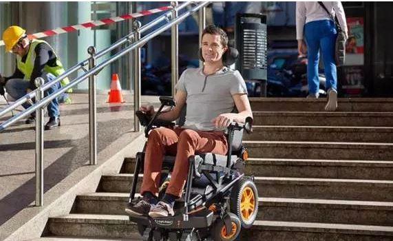 Merdiven İnebilen Tekerlekli Sandalye